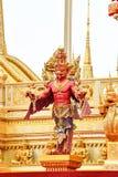 Statua di Garuda in parco, creature mitiche, Bangkok, Tailandia 171 fotografie stock libere da diritti