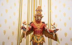 Statua di Garuda in parco, creature mitiche, Bangkok, Tailandia 171 immagini stock libere da diritti