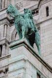 Statua di Giovanna d'Arco alla cattedrale di Sacre Coeur in Monmartre, Parigi, fotografia stock libera da diritti