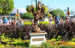 Statua di Jester Goofy al mondo Orlando Florida di Disney fotografia stock libera da diritti