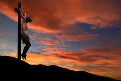Statua di Jesus Christ contro il fondo del cielo di sera o di mattina immagini stock libere da diritti