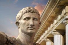 Statua di Julius Caesar Augustus a Roma Fotografia Stock Libera da Diritti