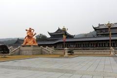 Statua di Kingkong e costruzione del tempio di xuedousi, adobe rgb Fotografia Stock