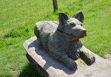 Statua di legno del cane Fotografie Stock