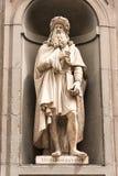 Statua di Leonardo Da Vinci a Firenze Immagini Stock Libere da Diritti