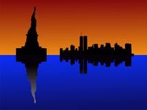Statua di libertà al tramonto illustrazione vettoriale