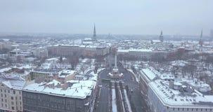 Statua di Liberty Milda a Riga, Lettonia video d archivio