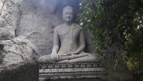Statua di Lord Buddha del mahamewnawa La Sri Lanka immagini stock