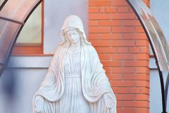 Statua di Mary Praying vergine fotografie stock libere da diritti