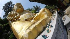Statua di pietra di Buddha, della divinità, dell'animale sacro e della creatura immagini stock