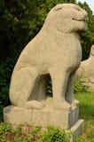 Statua di pietra del leone - tombe di dinastia di canzone Fotografia Stock Libera da Diritti