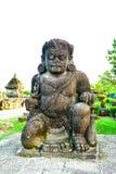 Statua di pietra della guardia gigante del demone fotografia stock libera da diritti