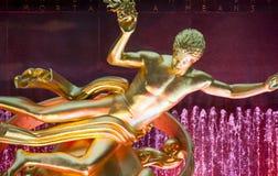 Statua di PROMETHEUS nella plaza di Rockefeller immagini stock libere da diritti