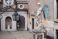 Statua di Raffaello da Montelupo Royalty Free Stock Images