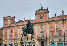 Statua di Ranuccio Farnese Piacenza L'Emilia Romagna L'Italia Fotografia Stock Libera da Diritti