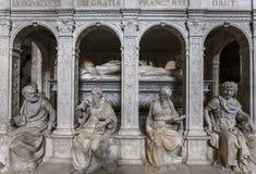 Statua di re Louis XII in basilica di St Denis Fotografie Stock