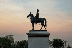 Statua di re Rama V in Tailandia Fotografia Stock Libera da Diritti
