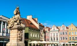 Statua di Saint John di Nepomuk sul vecchio quadrato del mercato a Poznan, Polonia fotografia stock libera da diritti