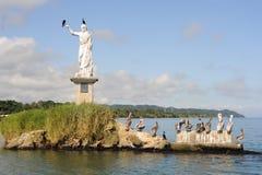 Statua di Salvador del mundo sulla costa di Livingston Fotografie Stock