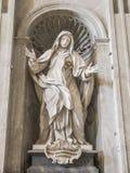 Statua di Santa Giuliana Falconieri. In San Pietro a Roma Stock Photography