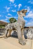 Statua di Singha a Wat Prathat Lampang Luang Temple, Lampang, tailandese fotografia stock libera da diritti