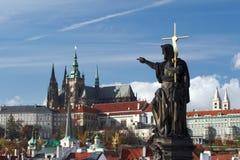 Statua di St John il battista a Praga Fotografia Stock Libera da Diritti