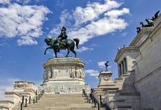 Statua di Victor Emmanuel - di Roma II Fotografia Stock