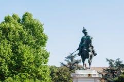Statua di Vittorio Emanuele il secondo re dell'Italia a Verona Fotografia Stock Libera da Diritti