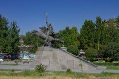 Statua di Zoravar Andranik al san Gregory The Illuminator Cathedral un punto turistico famoso a Yerevan, Armenia immagini stock