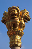 Statua dorata dei leoni fotografia stock libera da diritti