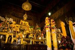 Statua dorata del buddha Fotografie Stock Libere da Diritti