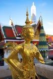 Statua dorata del kinnon (kinnaree) Immagine Stock