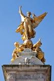 Statua dorata della regina Victoria Memorial Immagini Stock Libere da Diritti