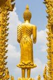 Statua dorata della religione di buddismo Fotografie Stock