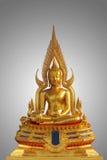 Statua dorata di Buddha isolata Fotografia Stock Libera da Diritti