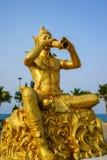 Statua dorata di Phra Aphai Mani Fotografia Stock Libera da Diritti