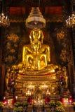 Statua dorata tailandese del Buddha Fotografia Stock