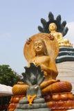 Statua dorata Tailandia del Buddha Fotografia Stock