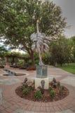 Statua dzwonił kwiat artystą Kathy Spalding przy ogródem Ho Zdjęcie Royalty Free