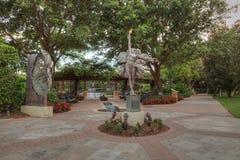 Statua dzwonił kwiat artystą Kathy Spalding przy ogródem Ho Obrazy Stock