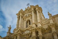 Statua e cattedrale di Siracusa Immagini Stock Libere da Diritti