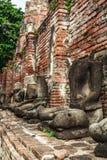 Statua ed antico le rovine Immagine Stock