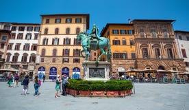 Statua equestre di Cosme in mezzo al della Signoria della piazza su Firenze, Cosme che sbarazza un cavallo Fotografia Stock Libera da Diritti