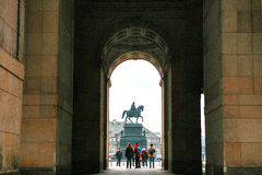 Statua equestre di re John della Sassonia Konig Johann I von Sassonia a Theaterplatz a Dresda, Germania vista da parte a parte Immagini Stock Libere da Diritti