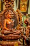 Statua fatta di legno di Lord Buddha Immagini Stock Libere da Diritti