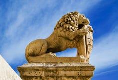 Statua a forma di del leone a Segovia, Spagna fotografia stock libera da diritti