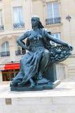Statua fuori del museo D'Orsay a Parigi Fotografia Stock