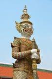 Statua gigante del guardiano nel grande palazzo Fotografie Stock