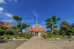 Statua gigante in Wat Arun Ratchawararam Ratchawaramahawihan in Th Fotografie Stock Libere da Diritti