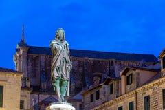 Statua i kościół w Dubrovnik obraz royalty free